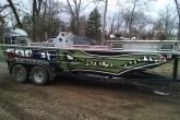 Gator Hunting Boat Graphics Wraps | Par 3 Wraps